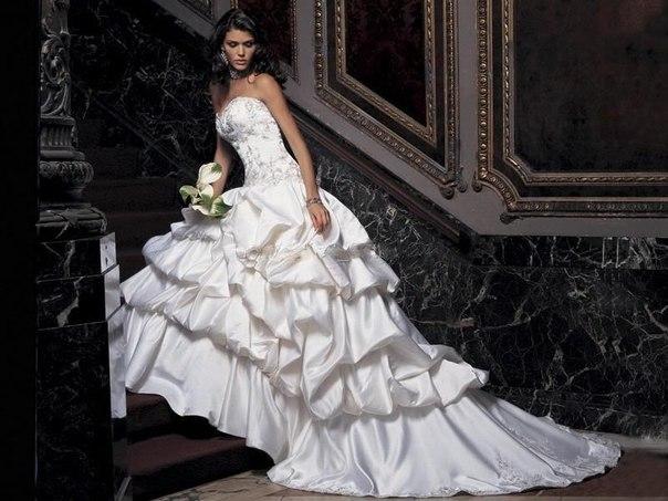 Сватбени рокли пролет – лято 2013